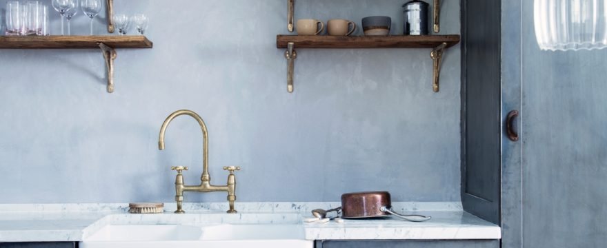 The Pros and Cons of Single-Bowl Versus Double-Bowl Kitchen Sinks