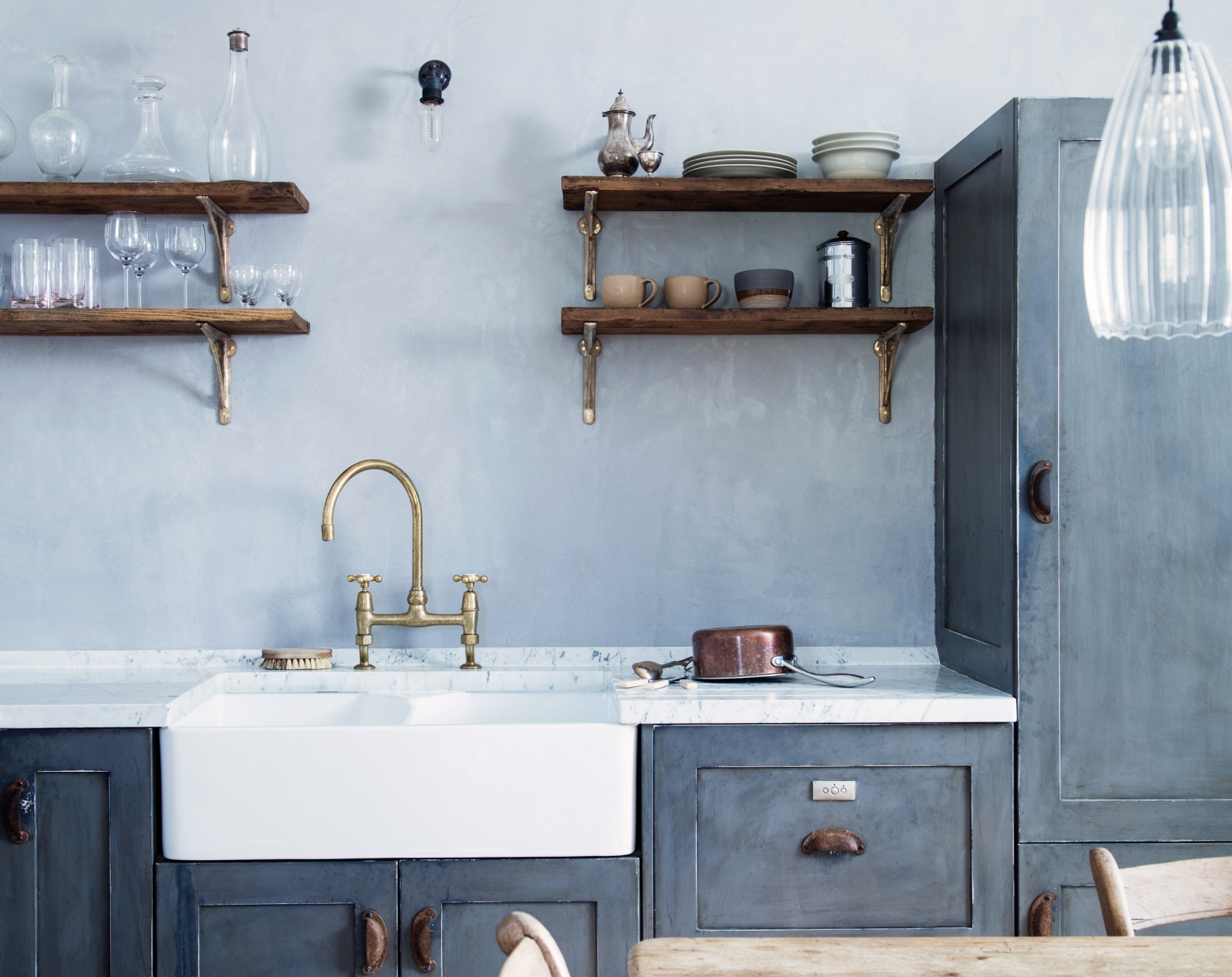 The Pros And Cons Of Single Bowl Versus Double Bowl Kitchen Sinks