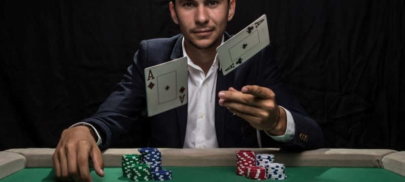 Three striking benefits of becoming a poker professional